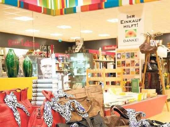 Das COEO Haus der guten Taten im Forum Steglitz unterstützt den Verkauf von Produkten aus Werkstätten für Menschen mit Behinderungen sowie aus kleinfamiliären Strukturen und fairem Handel.