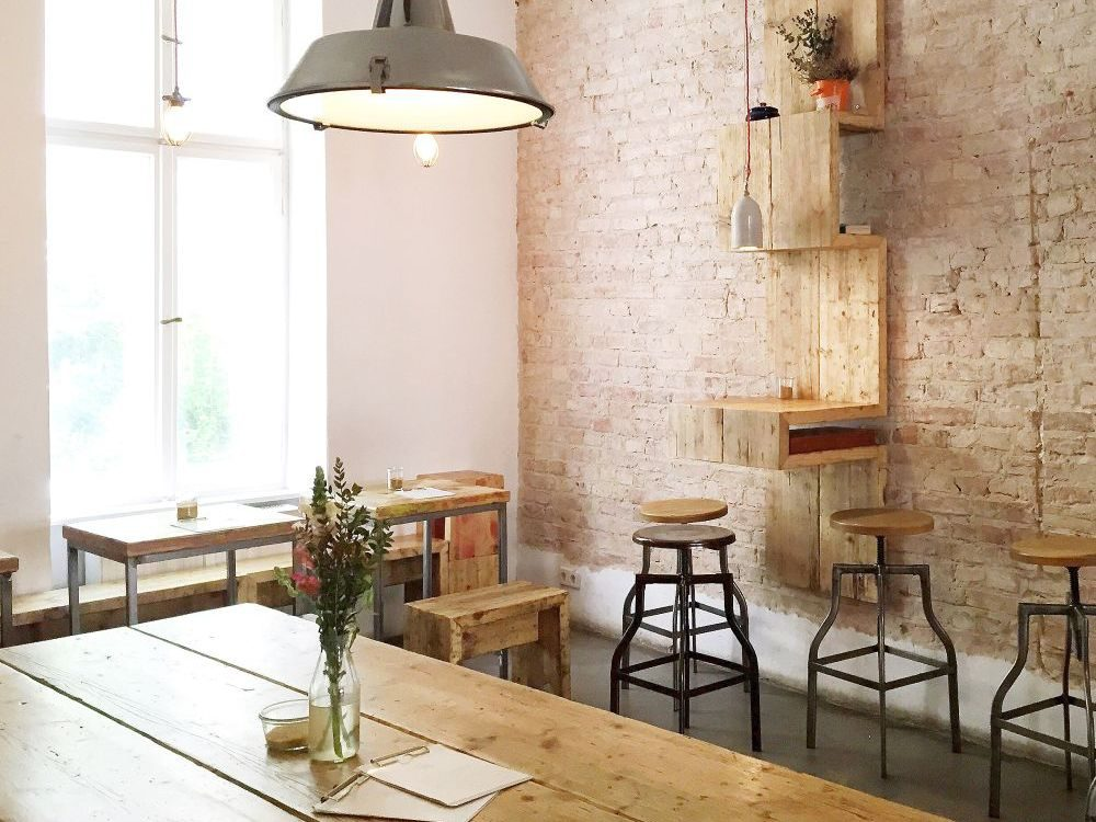 Holz Rustikale Einrichtung Silo Coffee Friedrichshain.