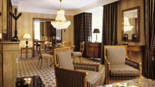 Auch die 105 Quadratmeter große Grand Suite verfügt über ein Wohnzimmer - voilà.