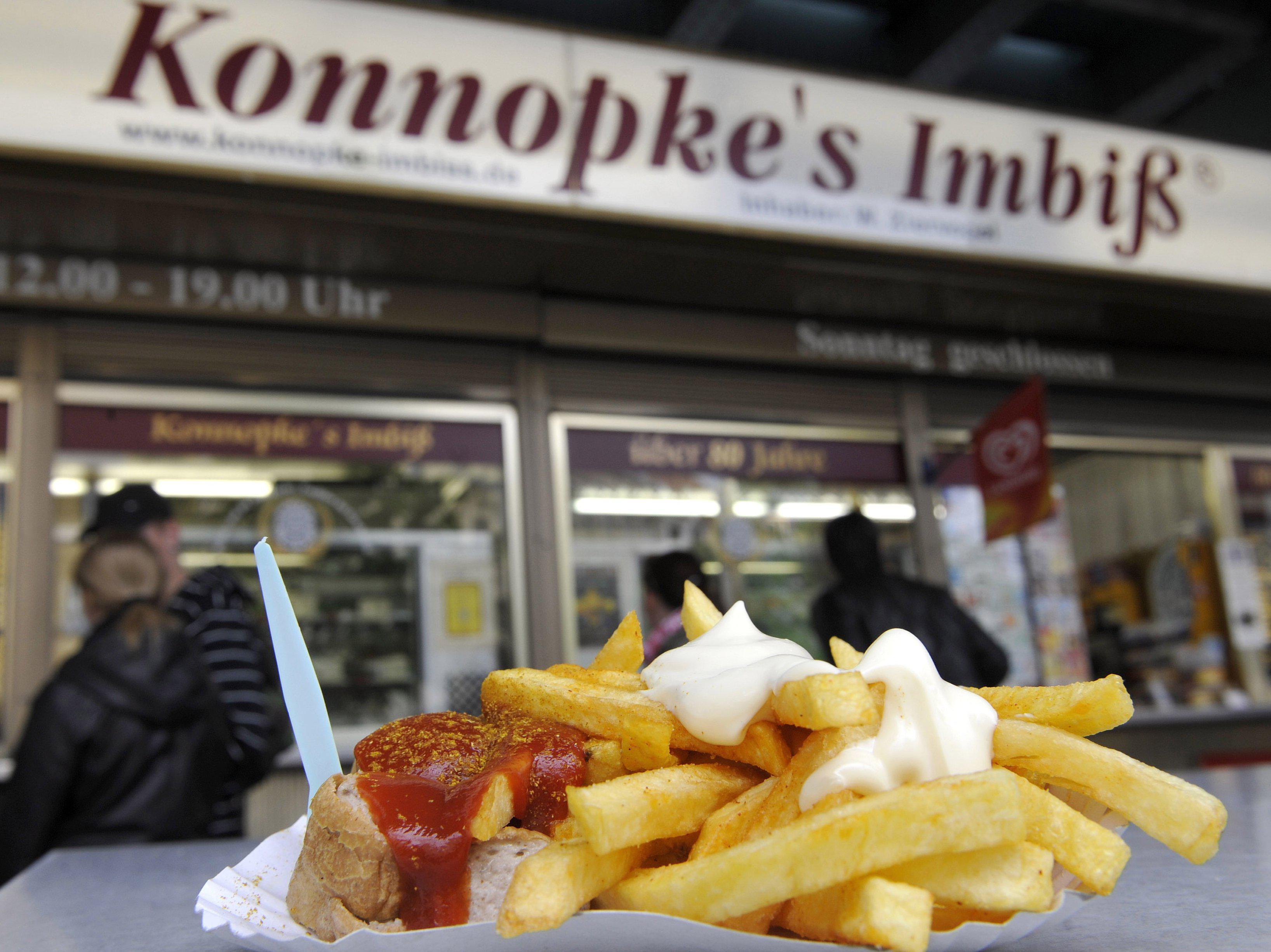 Seit 1930 ein Renner: die Currywurst bei Konnopke