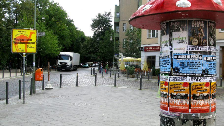 Am normalerweise beschaulichen Maybachufer finden der türkische Wochenmarkt und einmal im Monat der Nowkoelln Flowmarkt statt.
