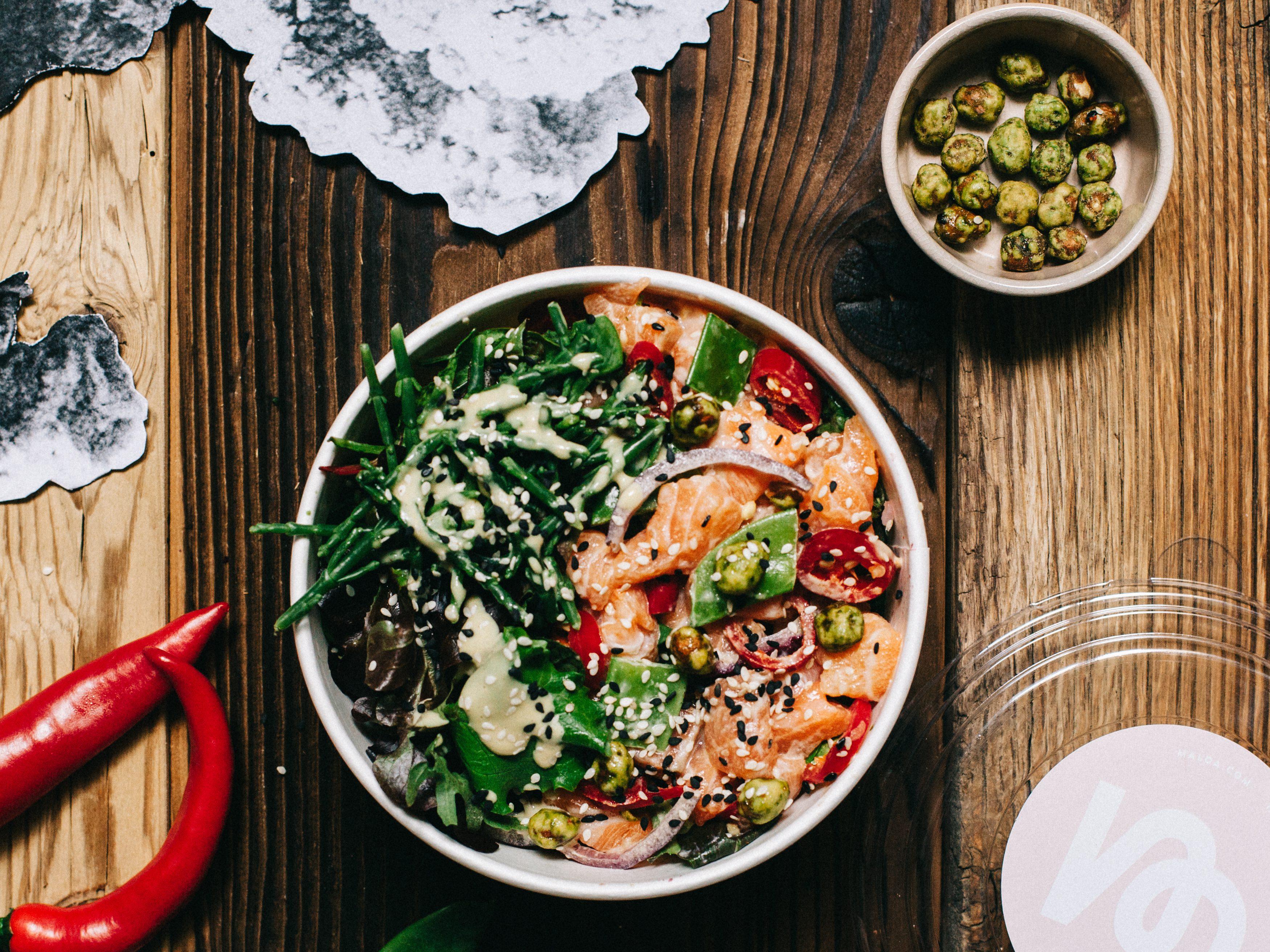 Bunt, unterschiedliche Texturen und Würz-Kick – die super leckeren Poké Bowls von Ma'loa sind schnell zubereitet und noch schneller verspeist.