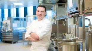 Der Küchenchef André Egger.