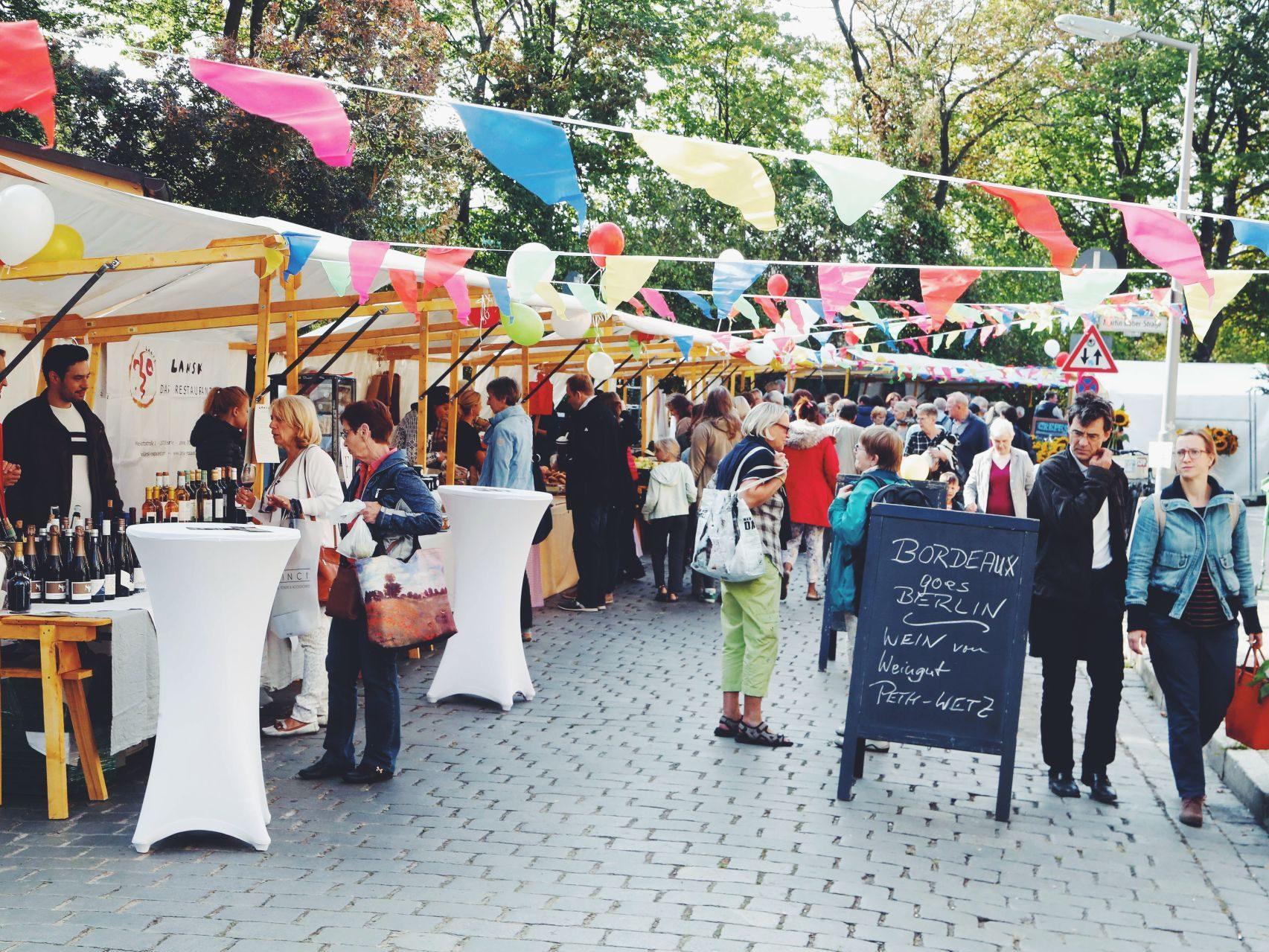 Bummeln, kosten, schwelgen - Wochenmärkte wie der neue in Zehlendorf bringen uns etwas Landleben in die Großstadt.
