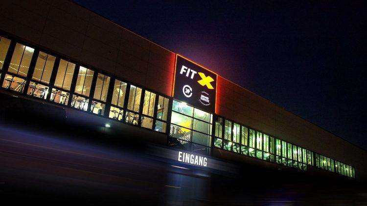 FitX Fitnessstudio Berlin-Waidmannslust: Das Studio in Waidmannslust liegt am Oraniendamm.