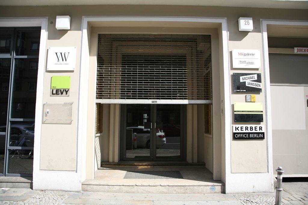 Italien, Belgien, Spanien, England: Internationale Künstler stellen in der Galerie Michael Janssen in Kreuzberg moderne Kunst aus.