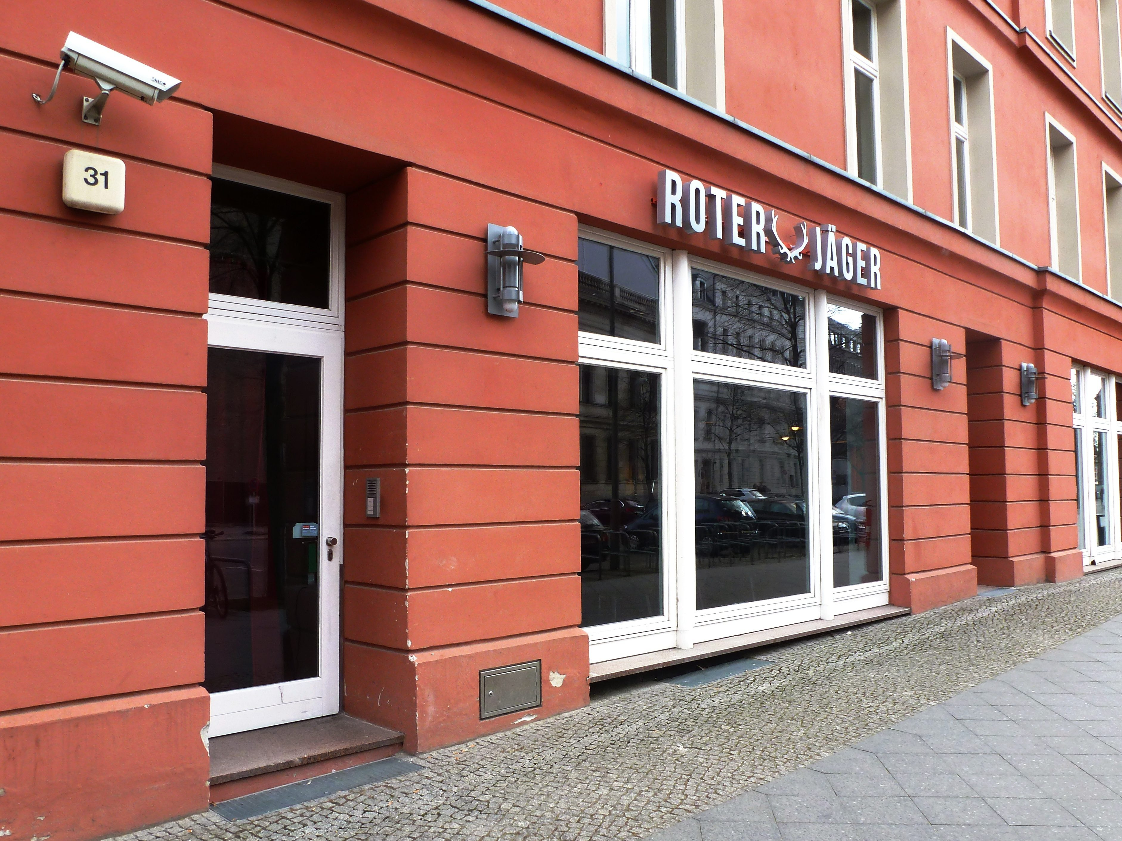 Rote Fassade und Standort in der Jägerstraße: Da fiel Rach die Wahl des Restaurantnamens nicht schwer.